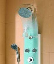 La colonne de douche en verre: le règne de l'épure