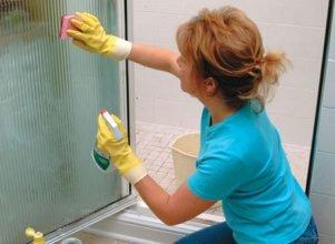 L'entretien d'une paroi de douche: les gestes du quotidien
