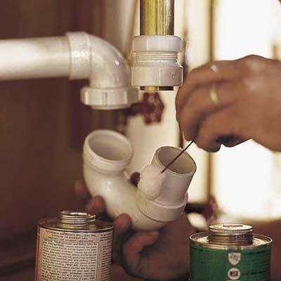 installer le siphon de l'évier