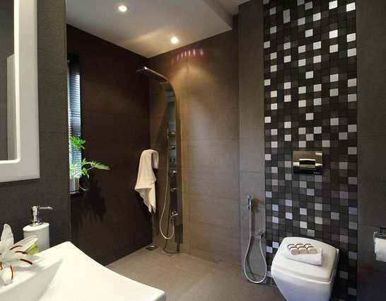 9 mod les de colonne de douche apparente ou encastr e for Modele de salle de bain avec cabine de douche