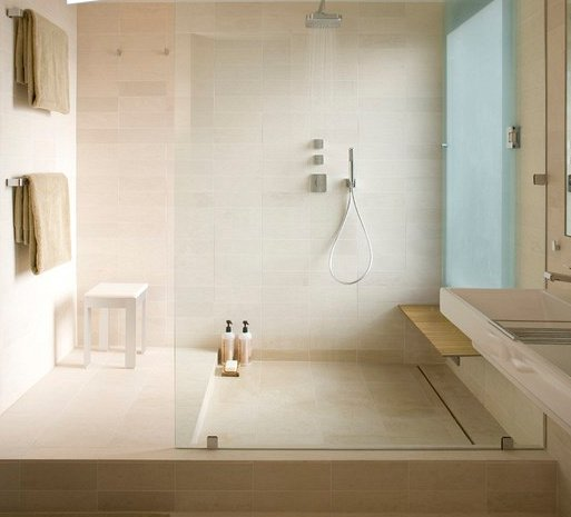 bac-a-douche-en-travertin 11 IDEES DESIGN de receveur de douche!