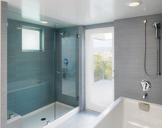receveur de douche salle de bain bleue