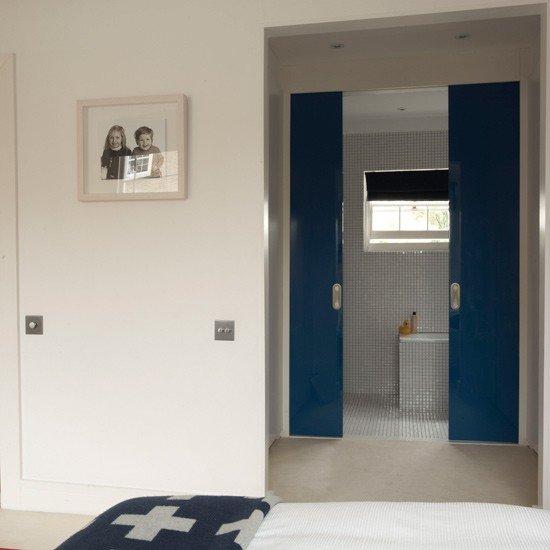 Installer Une Porte Coulissante Conseils Et étapes ConsoBricocom - Porte placard coulissante jumelé avec installation de porte blindée