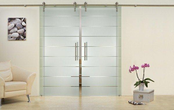 Portes coulissantes en verre 43 id es design qui vont for Porte double en verre interieur