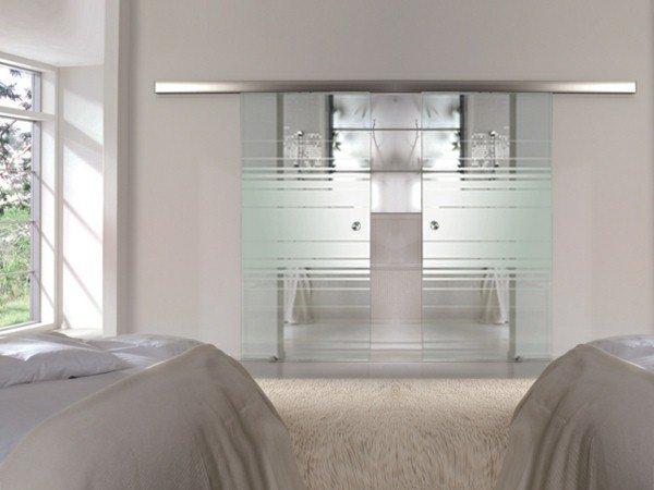 Portes coulissantes en verre 43 id es design qui vont for Porte coulissante pour chambre