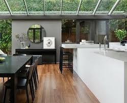 installer une piscine dans une v randa. Black Bedroom Furniture Sets. Home Design Ideas