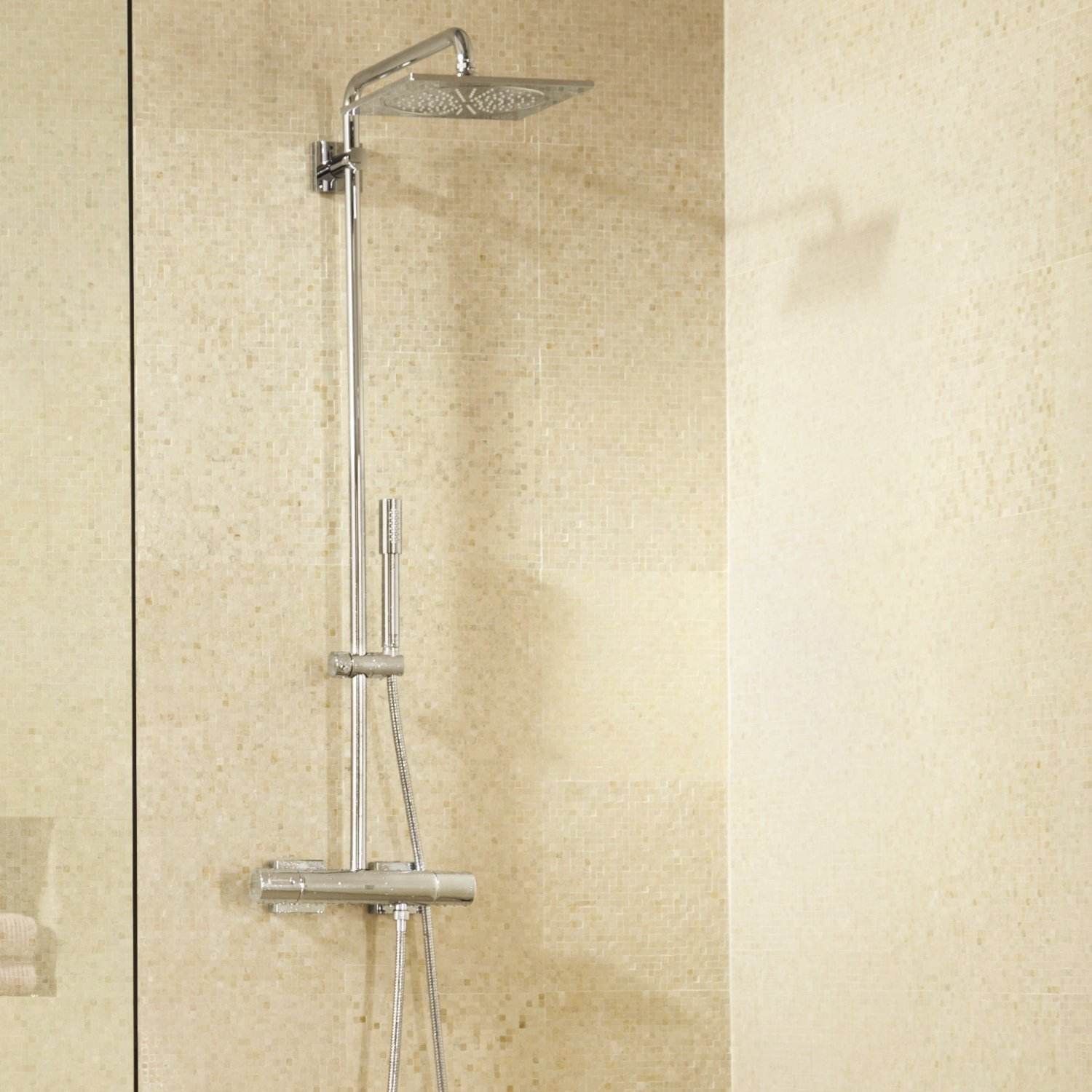 colonne de douche grohe rainshower f series et thermostat notre avis. Black Bedroom Furniture Sets. Home Design Ideas