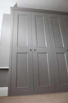 porte de placard grise