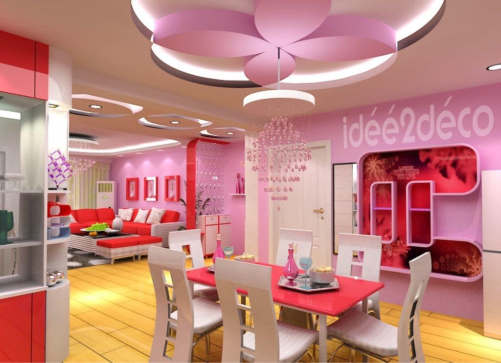 Une salle à manger rose bonbon