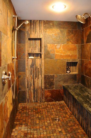 Douche en pierre effet rouille.
