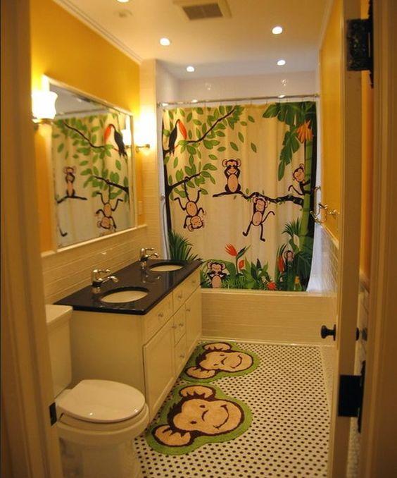 Une salle bain pour enfant esprit savane Source : https://mieszkanioweinspiracje.pl/wnetrza/lazienka/11176/15-dzieciecych-lazienek