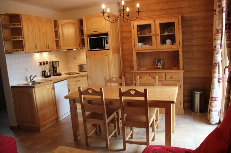 Cette petite cuisine séduit par sa simplicité et son côté accueillant.