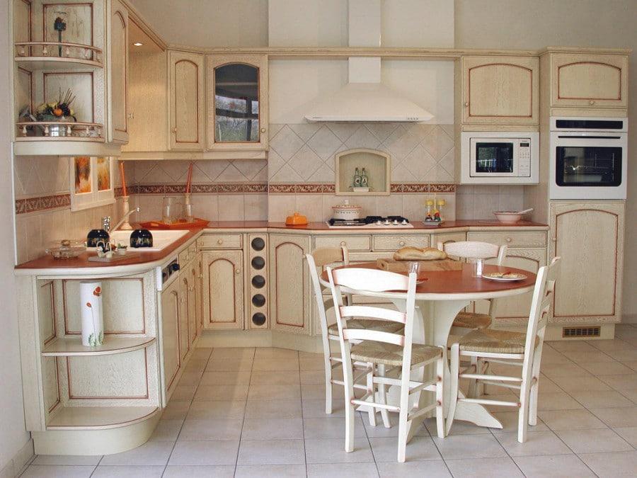 Une cuisine lumineuse et provençale comme on l'aime!