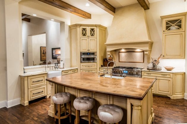 12 raisons d acqu rir une cuisine rustique quelques for Modele cuisine rustique