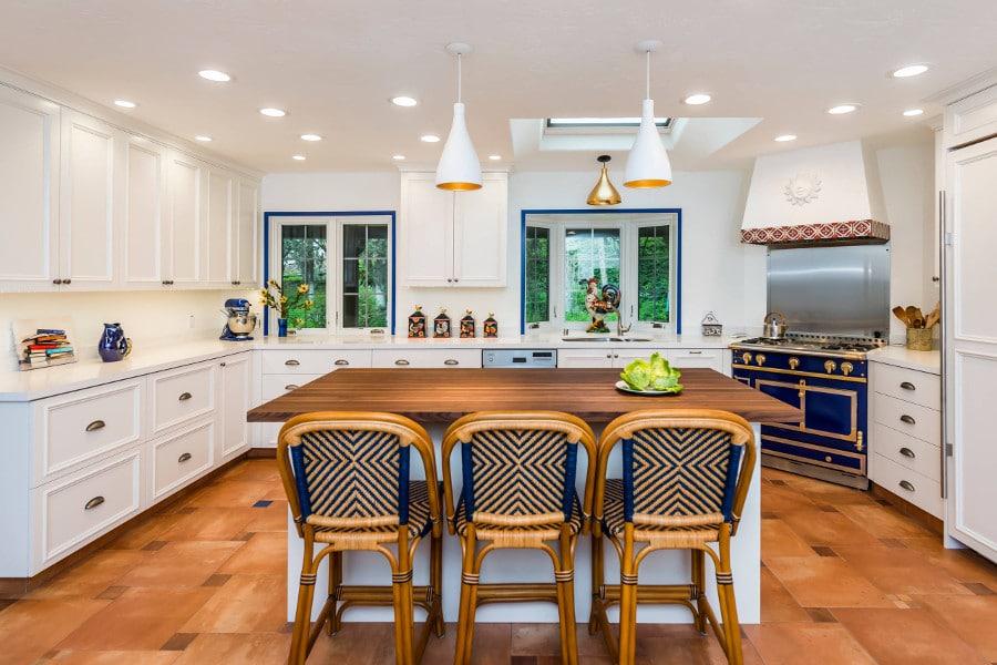 best cuisine modles de cuisines with cuisine quipe style provencale. Black Bedroom Furniture Sets. Home Design Ideas
