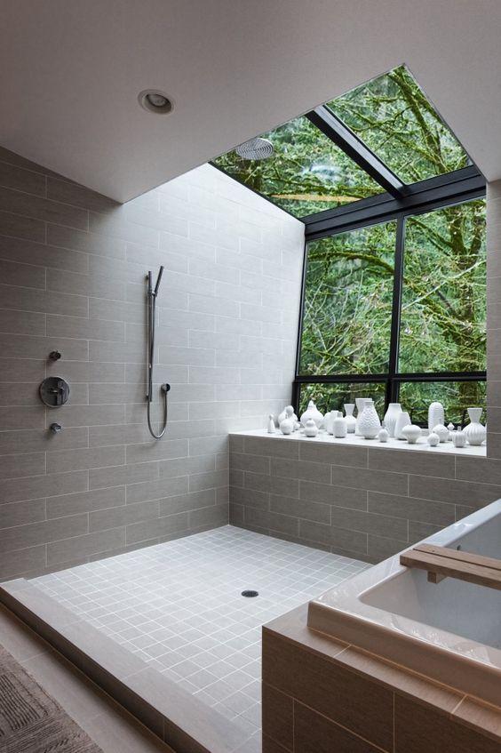 douche à litalienne et son puit de lumière - 8 exemples de douche à l'italienne: la douche la plus épurée et la plus tendance du moment