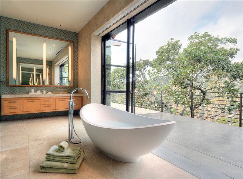 salle de bain avec baie vitrée - Salle de bain zen : 7 conseils pour créer une ambiance relaxante