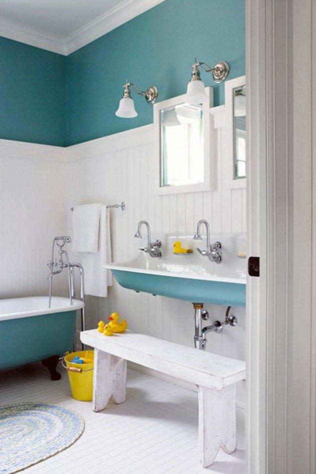 salle-de-bain-bleue-et-blanche