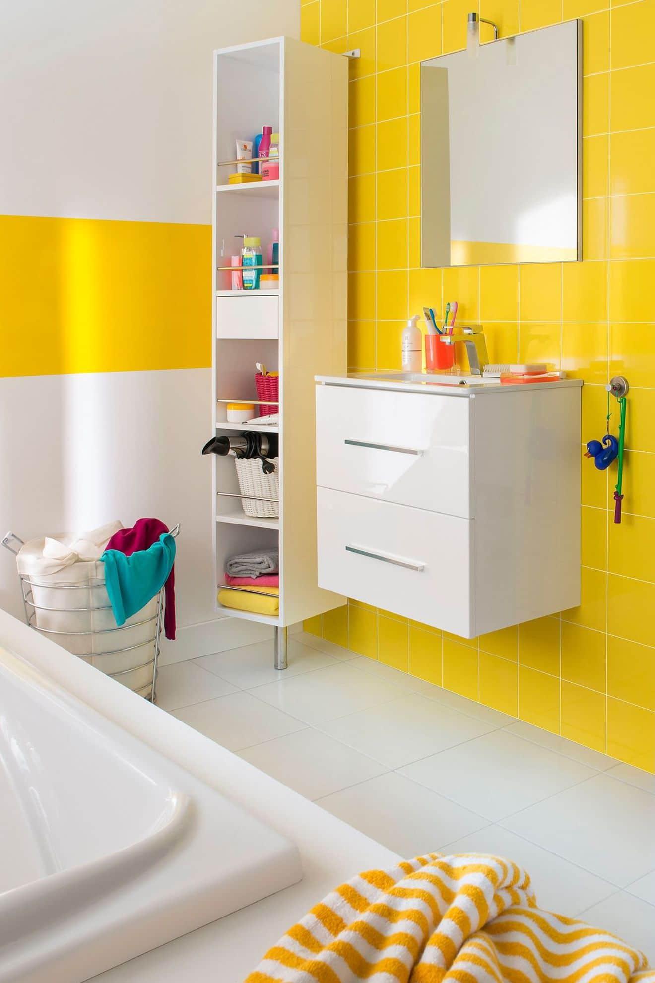 salle de bain enfant 15 id es pratiques pour sublimer l enfance. Black Bedroom Furniture Sets. Home Design Ideas