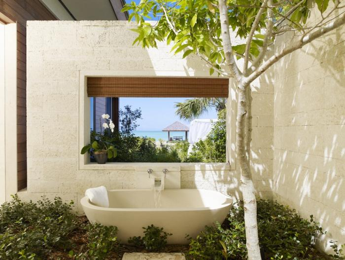parrot-cay-resort-tamarind-villa-open-air-bathtub