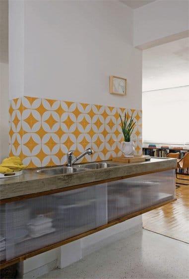 ceramique-joyeuse-dans-la-cuisine