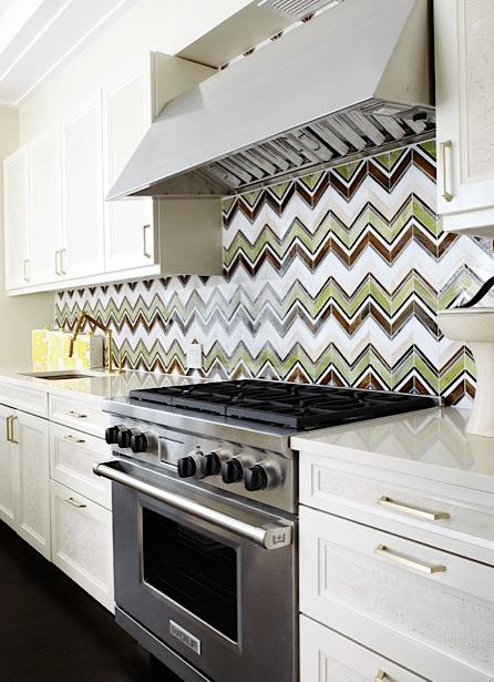 cuisine-de-charme-avec-des-mosaique-de-ceramique