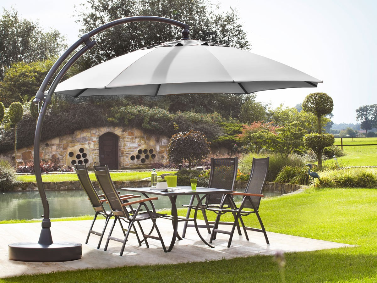 14 id es de mod les de parasols comment apporter de l 39 ombre dans le jardin. Black Bedroom Furniture Sets. Home Design Ideas