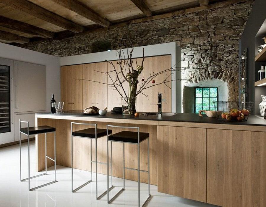 Idée de déco pour créer une ambiance rustique avec une cuisine en bois moderne.