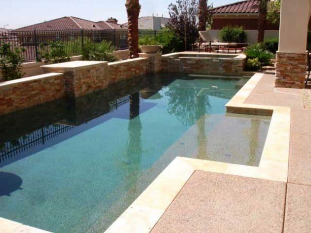 17 exemples de rev tement pour sa terrasse piscine for Liner piscine solde