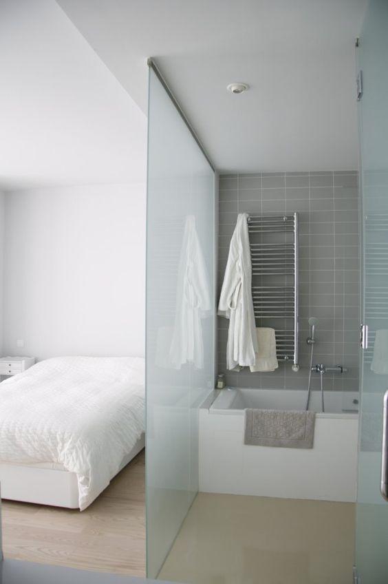 La salle de bain dans la chambre le premier pas vers la for Chambre plus salle de bain