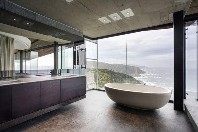salle-de-bain-ultra-design-avec-vue-sur-la-mer