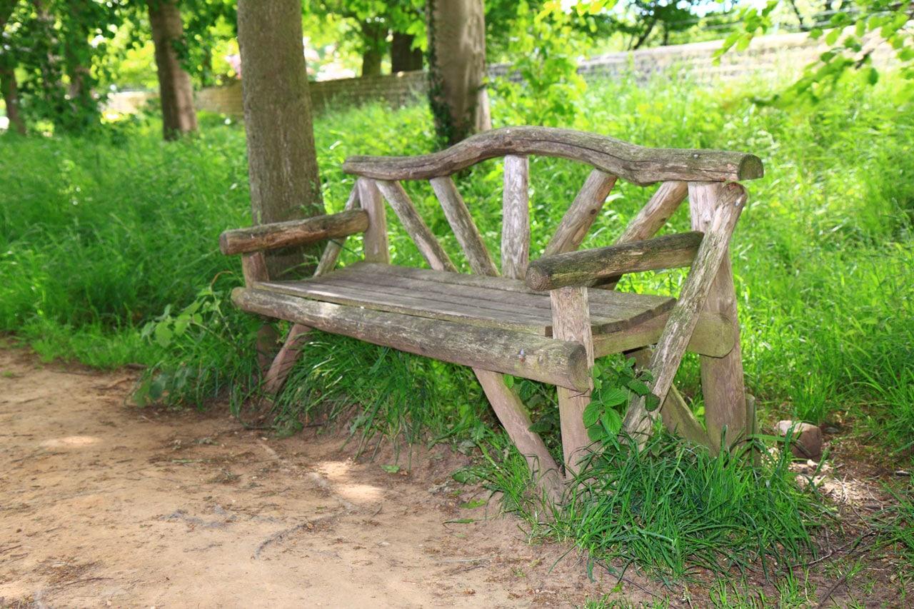 Le banc de jardin est tendance 20 mod les qui donnent des for Plan de banc de jardin