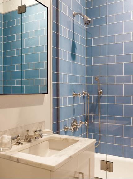 carreaux-rectangulaires-bleu-salle-de-bain