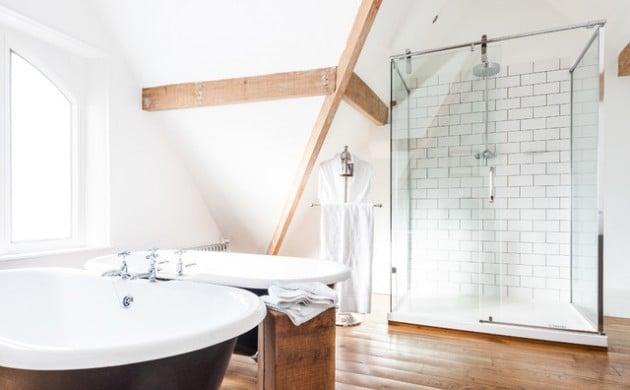 parquet-en-bois-salle-de-bain-scandinave