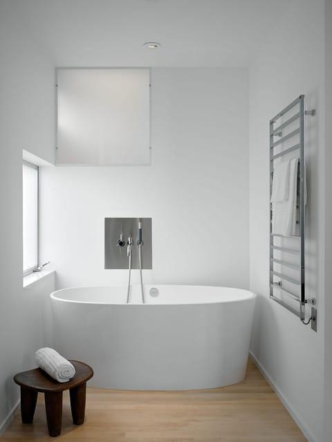 petite-salle-de-bain-minimaliste