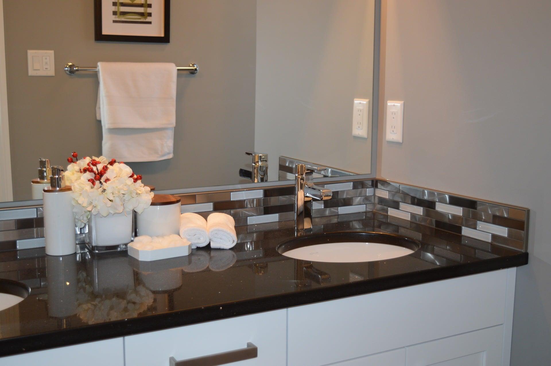 robinetterie de salle de bain 20 mod les pour faire son choix. Black Bedroom Furniture Sets. Home Design Ideas
