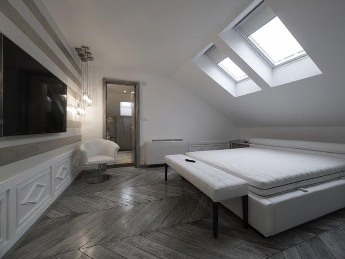 Chambre mansard e avantages et inconv nients for Meuble au dessus du lit