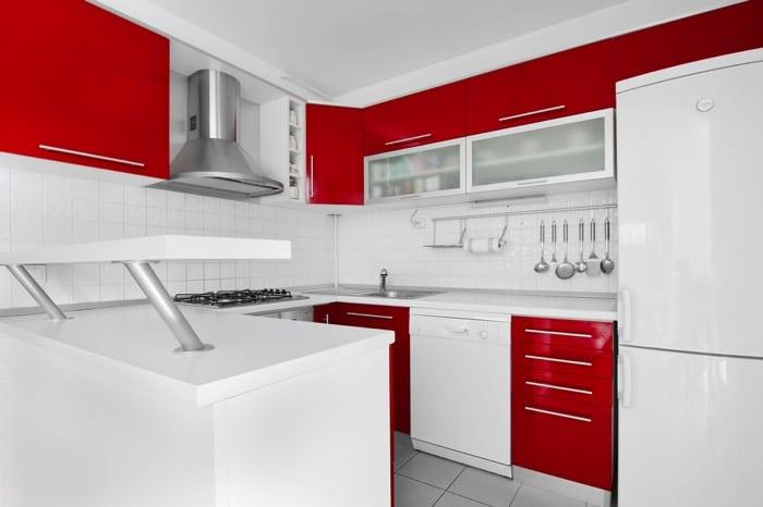 Une cuisine aux couleurs vives 30 exemples pour votre for Que represente la couleur rouge