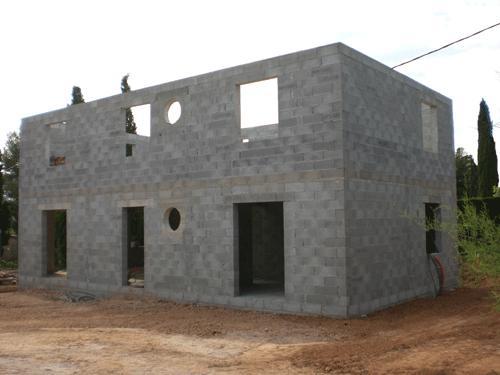 Bois ou parpaing lequel choisir pour votre maison for Maison en beton banche