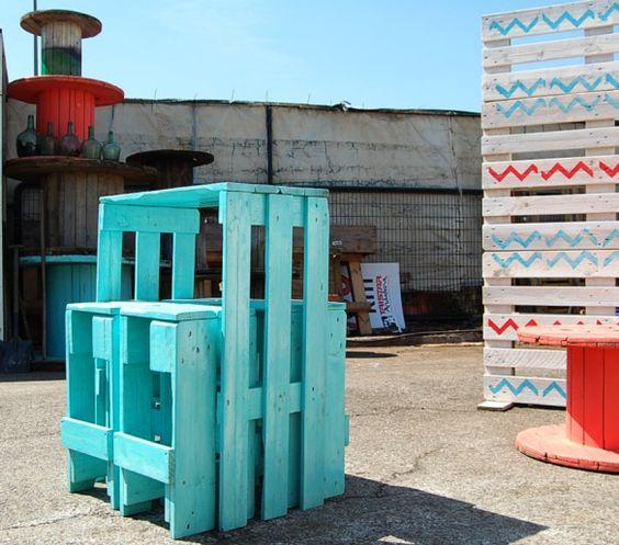 Peindre une table en palette quelles couleurs pour - Peindre une palette en bois ...