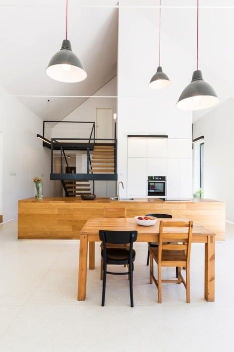 salle manger design blanche 25 id es l 39 associer avec bois et pierre. Black Bedroom Furniture Sets. Home Design Ideas