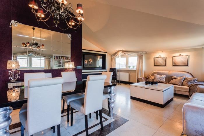 24 id es d co pour moderniser une salle manger for Grand miroir salle a manger