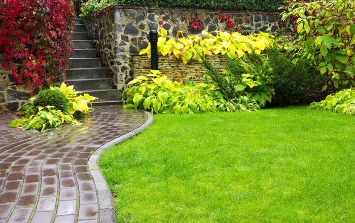 Déco d\'une allée de jardin (42 idées) : nos conseils pour embellir ...