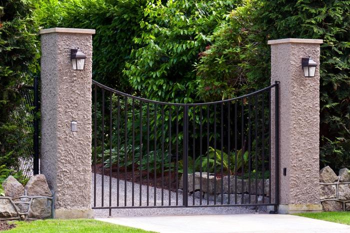 portail en aluminium contemporain 18 designs le portail moderne. Black Bedroom Furniture Sets. Home Design Ideas
