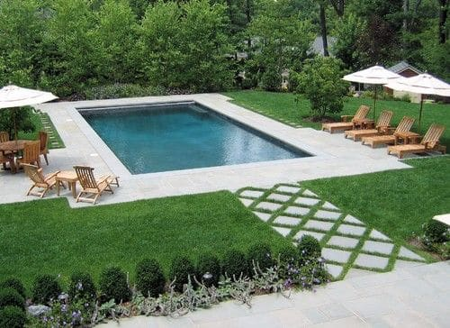 Am nagement d 39 un jardin avec piscine 12 designs de r ve for Jardin 69