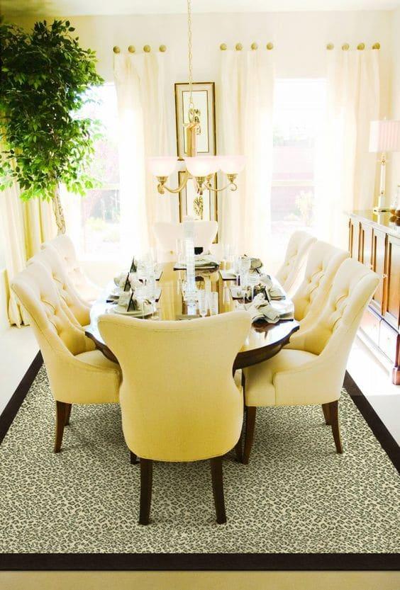 Salle manger jaune 14 id es design pour int grer la for Rideaux pour salle a manger