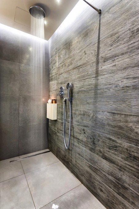 Pose d 39 un carrelage de douche italienne toutes les for Photo douche italienne carrelee