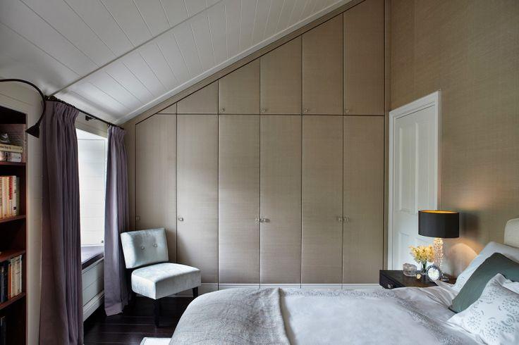 placard mansard 21 id es d co le guide et les tapes d 39 installation. Black Bedroom Furniture Sets. Home Design Ideas