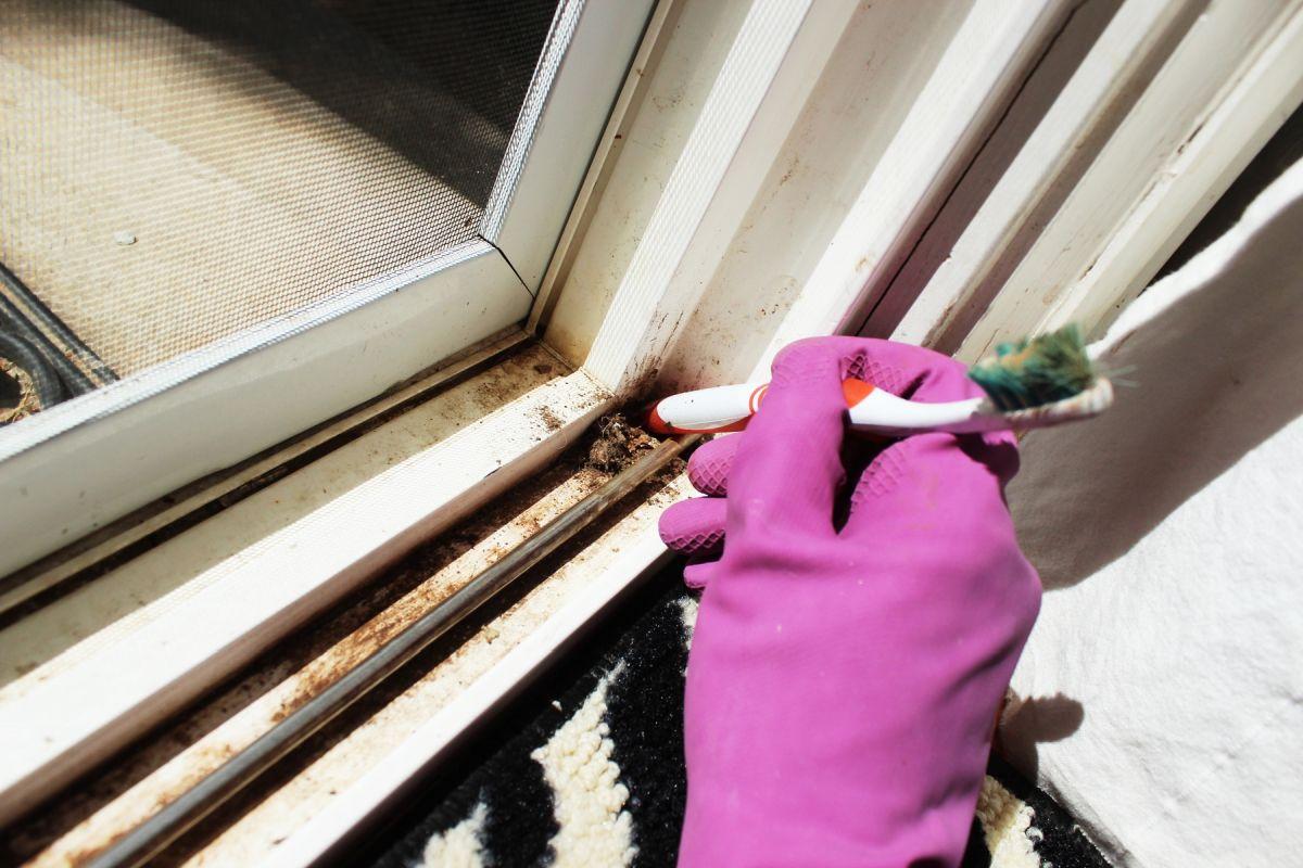 comment nettoyer ses vitres de fen tre en t comme hiver 5 conseils. Black Bedroom Furniture Sets. Home Design Ideas