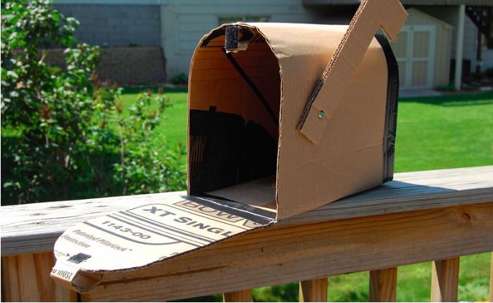 comment fabriquer une bo te aux lettres de a z. Black Bedroom Furniture Sets. Home Design Ideas
